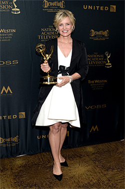 Mary Beth wins the Emmy, looking fabulous in an outfit Cynthia helped style.
